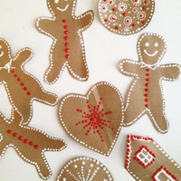 alisaburke: gingerbread present toppers and tags