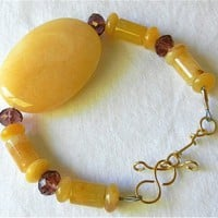 Golden Nephrite Jade and Vivid Rose Quartz Gemstone Beaded Bracelet