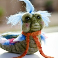 Needle Felted Labyrinth Worm Collectible Art Decoration Wool