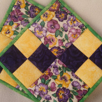 Quilted Pansy Potholders - Set of 2