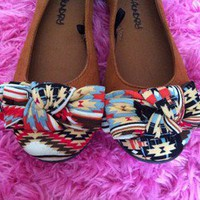 Brown Tribal Print Bow Tie Knot Flats Shoes | Size 6