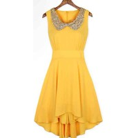 Yellow dress with shining collar