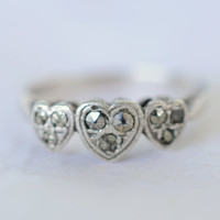 1920's Art Deco / vintage sterling marcasites ring // HEARTS