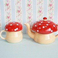 Set of 2 Ceramic Teapot and Mug Red Mushroom by maamoon on Etsy