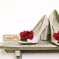 red flower shoe clips customize your color for valentines by eclu