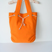 Orange bagREADY to SHIPPINGEveryday Bag  orangePleated by seno