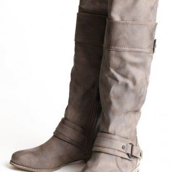 Classic Country Buckle Boots  | Modern Vintage Shoes