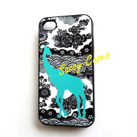 Plastic iPhone 4 / 4S Case Turquoise Giraffe on Black iPhone Case