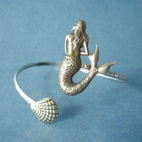 Mermaid Bracelet With A Shell, Wrap.. on Luulla