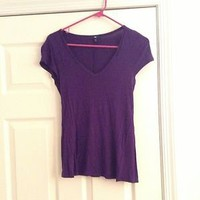 Gap V Neck Tee Shirt Size Small Purple Woman&#x27;s