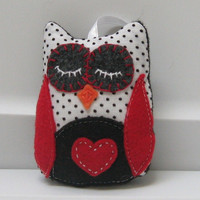 Sleepy Owl Crafted in Vintage Black on by BittyBitsandBaubles
