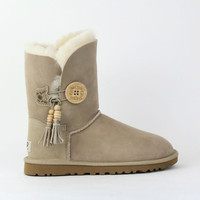 UGG WOMEN BAILEY CHARMS ...