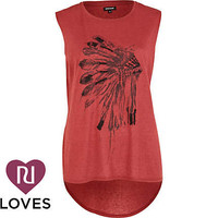 Red embellished feather head print tank top