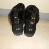 Ugg Boots Black Boots at 59% off on Tradesy