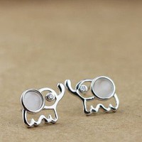 Lovely Sterling Silver Elephant Stu.. on Luulla