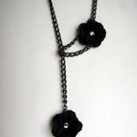Necklace Black Flower Chain Loop Necklace by KitchenWiring