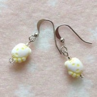 Girls Jewellery Yellow Hello Kitty Head Girls Earrings