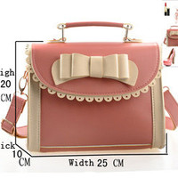 Vintage Style Perfect Dimensional Handbag