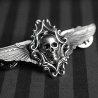 Winged skull brooch - pilot/steampunk inspired jewelry - silver version