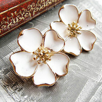 1 Pair Elegant  Lady Girl White Five Leaves Jasmine Flower Earring Ear Studs NEW