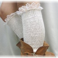 BKS10 Delicate lace edge knee socks ivory