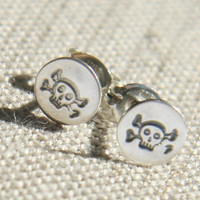 $18.00 Silver Skull and Crossbones Post Earrings by punkybunny300 on Etsy
