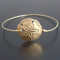 Sand Dollar Charm Bracelet, Gold Sand Dollar Bracelet, Sand Dollar Bangle, Beach Bridal Jewelry, Ocean Wedding Theme, Beach Charm Bracelet
