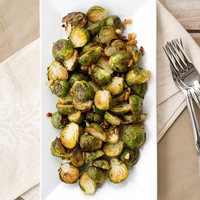 Delicious / Lemon Roasted Brussel Sprouts wiht Pine Nuts by chocolateandcarrots #Brussel_Sprouts