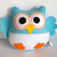Blue owl softie made of felt- Perfect for nursery decoration, owl themed party or baby shower favor - Other colors also available
