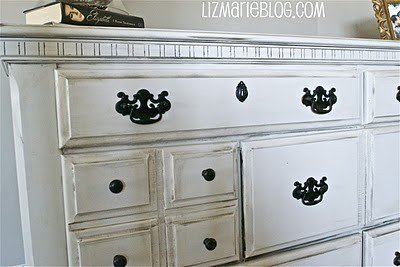 Dreamy Chamber decor / how to antique a dresser... ps. white = dove white valspar @ lowes.