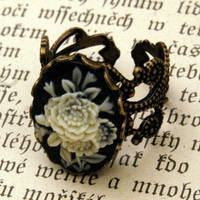 Bouquet Cameo Ring - $17.50 : RagTraderVintage.com, Handmade Indie Retro Accessories