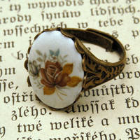 Vintage Rose Cameo Ring - $17.50 : RagTraderVintage.com, Handmade Indie Retro Accessories