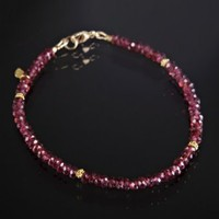 David Harris 18k gold and rhodolite garnet beaded bracelet | BLUEFLY up to 70% off designer brands