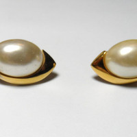 Vintage Jewelry Clip On Earrings Napier pearl gold tear drop shape costume jewelry