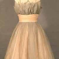 Pearl Grey & Pale Pink Organdy Petal Bust Party Dress VINTAGEOUS VINTAGE CLOTHING