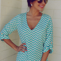 EVERLY: Spring Back The Chevron V-Neck: Aqua | Hope&#x27;s