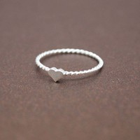 Single Tiny Heart 925 Sterling Silver Ring in Silver