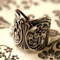 Ornate Silver Ring - $17 RagTraderVintage.com