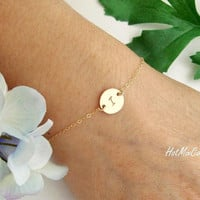Personalized Monogram Bracelet, Initial bracelet, GOLD Fill solitary Disc Bracelet, Bridesmaids jewelry, Holiday Mothers Bracelet