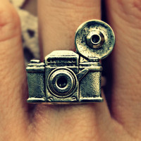 silver camera ring photography ring kitsch ring by alapopjewelry