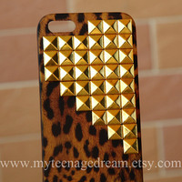 Iphone 5 Case leopard Iphone 5 Case studded by MyTeenageDream