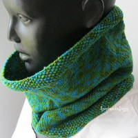 green knitted cowl by handmadefuzzy on Zibbet