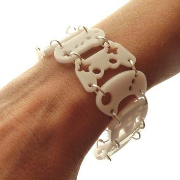 Controller bracelet white with silver rings by useyourdigits