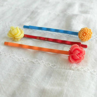 Flower Bobby Pins Vintage Burst by theblackstarboutique on Etsy