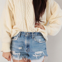 Classic Créme Cable Knit Sweater | Vagabond Youth