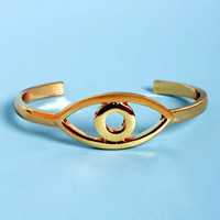 Eye Caramba! Gold Eye Clutch Bracelet