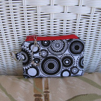 Change Purse Black &amp; White Medallion by KthysKreations on Etsy