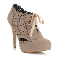 Simples Nude Laser Cut Heel
