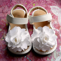 Toddler White leather squeaky shoes  Girl by TheBabyBellaBoutique