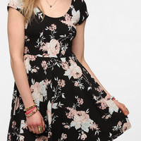 Urban Outfitters - Kimchi Blue Knit Floral Circle Dress